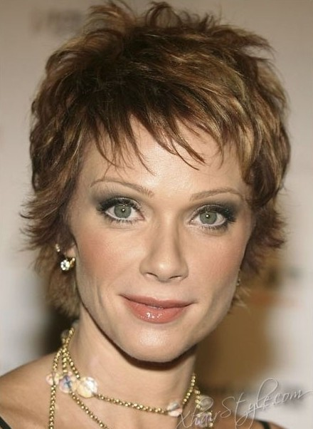 Short curly haircuts for older women