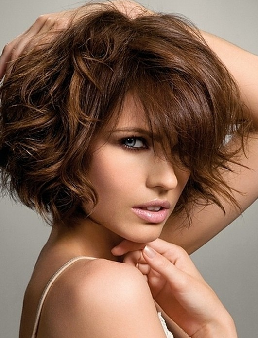 Curly Hairstyles For Short To Medium Length Hair : Bouncy curls medium hairstyles for women and girls popular haircuts