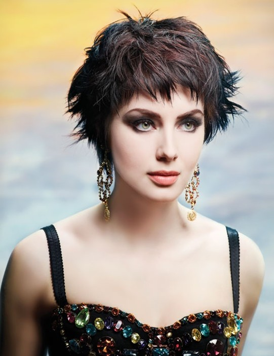 Short Cropped Hairstyle Messy Haircuts Popular Haircuts