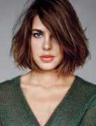 Charlotte Casiraghi Hair, Messy Straight Bob