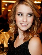 Emma Roberts Hair, Blonde Wavy
