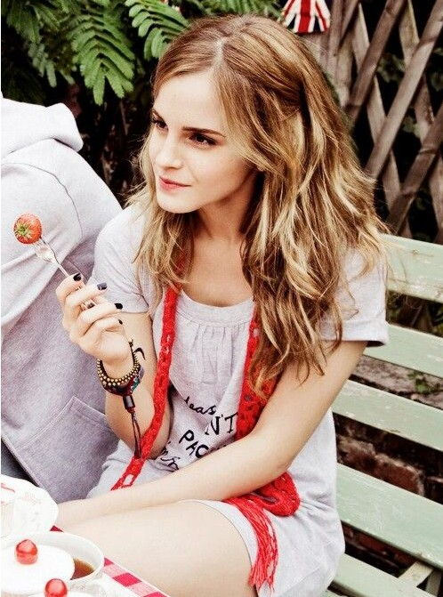 Emma Watson' Hairstyles – Trendy Long Hair for Girls ...