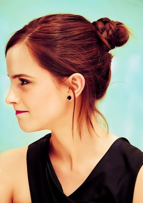 Emma Watson Hairstyles: Easy Updo - PoPular Haircuts