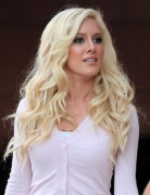 Heidi Montag' Hairstyles – Blonde Long Wavy Hair