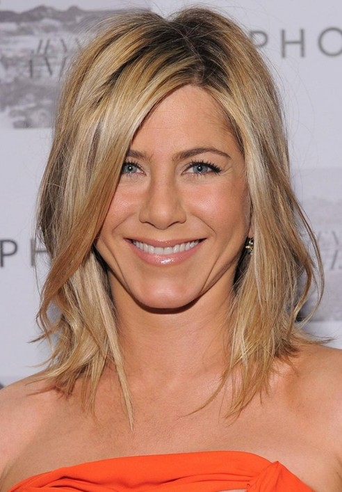 Jennifer Aniston' Haircuts - Cute Easy Hairstyle for Medium Straight Hair