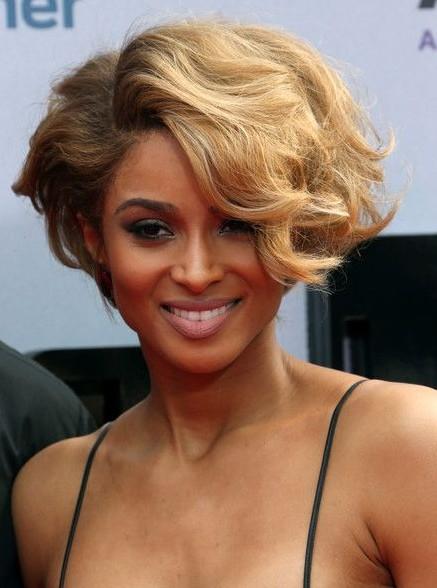 Short Blonde Hairstyles for Wavy Hair