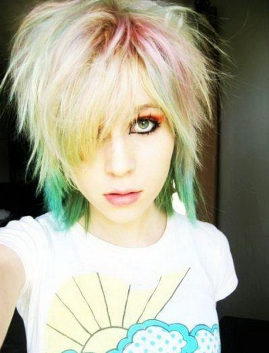 12 Stylish Short Emo Hairstyles for Girls - PoPular Haircuts