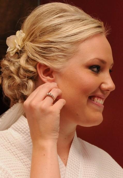 Short Wedding Hairstyles - Blonde Wavy Hair