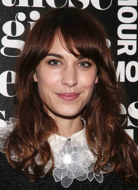 2014 Alexa Chung Hair Styles: Soft Loose Waves