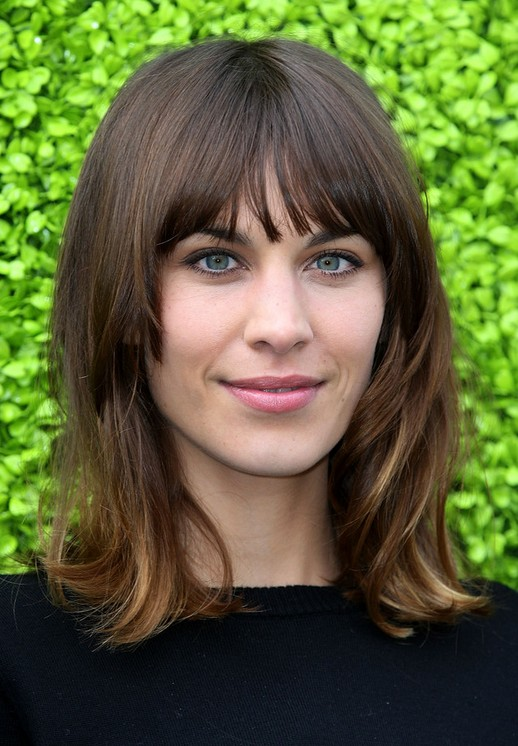 Alexa Chung Hairstyles: Classic Shoulder Length Hairstyle for Straight Hair