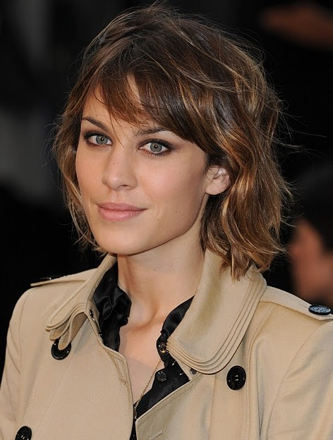Alexa Chung Hairstyles: Medium Layered Hair Style
