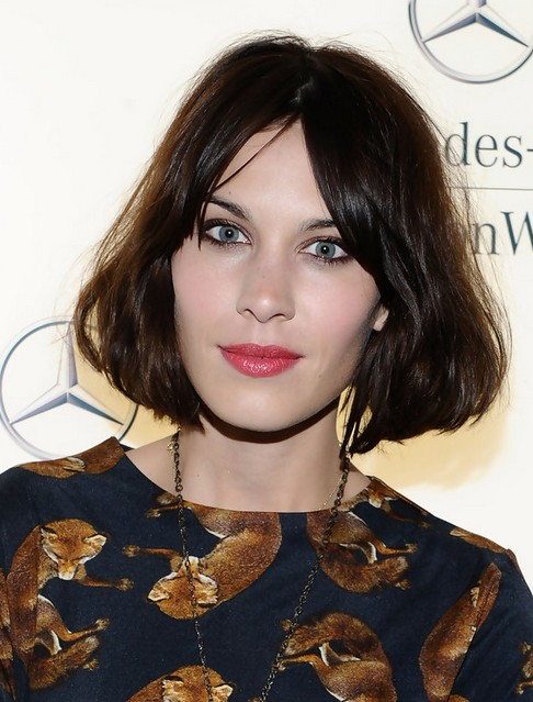 Alexa Chung Short Hair Styles: Pretty Straight Bob Haircut