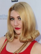 Amy Heidemann Hairstyles 2014: Retro Curly Hairstyle for Medium Hair