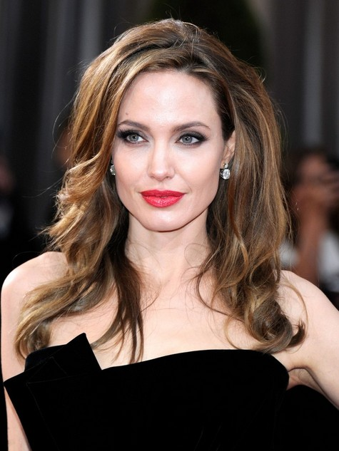 Angelina Jolie Hairstyles: Voluminous Long Hairstyle