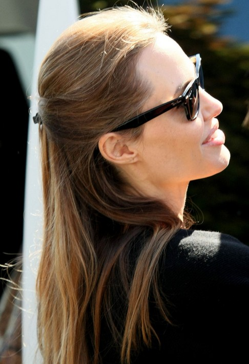 Angelina Jolie Long Hairstyles: 2014 Straight Hairstyle for Holidays