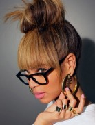 Beyonce Knowles Hairstyles: High Top Knot