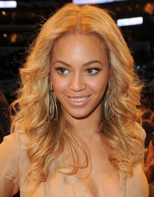 Beyonce Knowles Hairstyles: Loose Curls