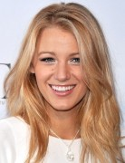 Blake Lively's Long Hairstyles: Blonde Straight Hair