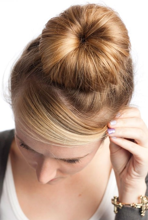 Crown Bun Hairstyle: Updo Hairstyels for Prom