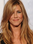 Jennifer Aniston Hairstyles: Blonde Medium Straight Hair