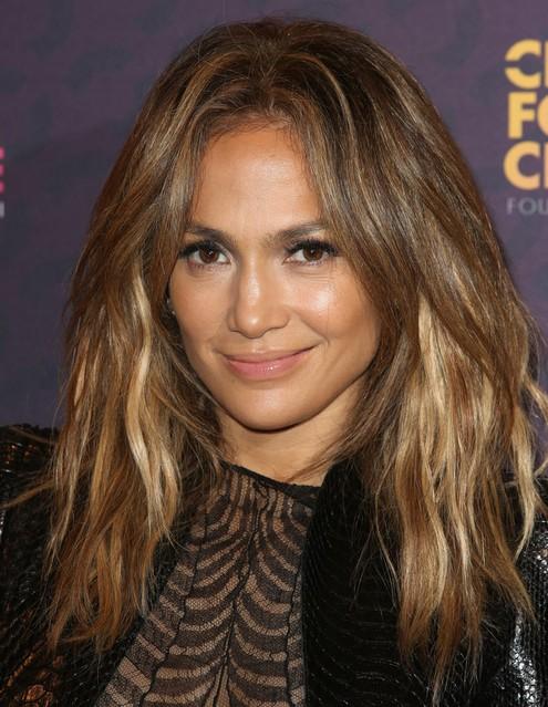 Jennifer Lopez Hair Styles 2014: Feathered Haircut for Long Hair