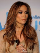 Jennifer Lopez Hairstyles: Long Layered Hairstyle