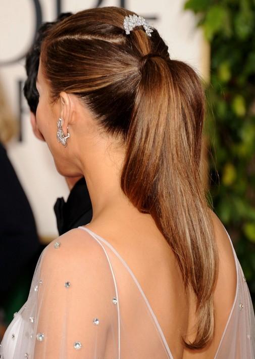 Jennifer Lopez Hairstyles: Sleek and Straight Ponytail