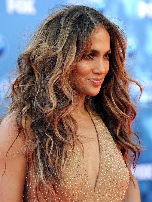 Jennifer Lopez Hairstyles: Tousled Waves