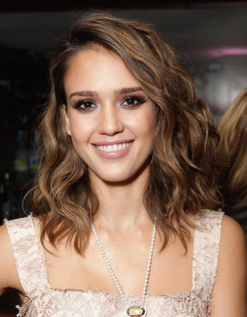 Jessica Alba Hairstyles: Brown Slightly Wavy Hairstyle
