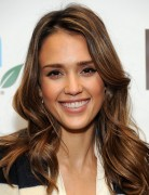 Jessica Alba Hairstyles: Glam Hairstyle for Long Hair