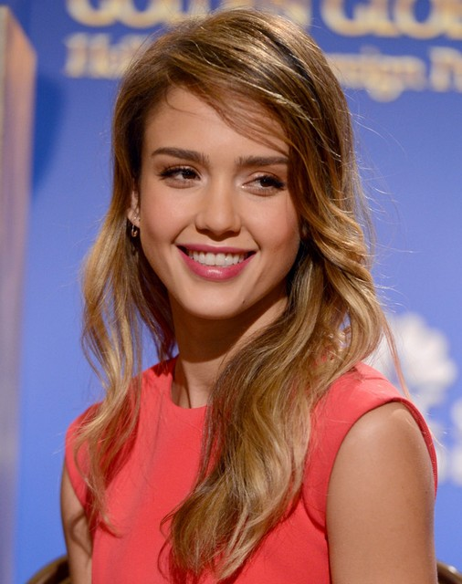 Jessica Alba Hairstyles: Side-swept Hairstyle for Long Hair