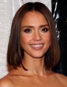 Jessica Alba Hairstyles: Straight Long Bob