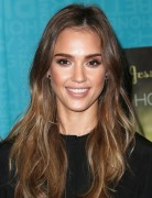 Jessica Alba Long Hairstyles: Straight Hair