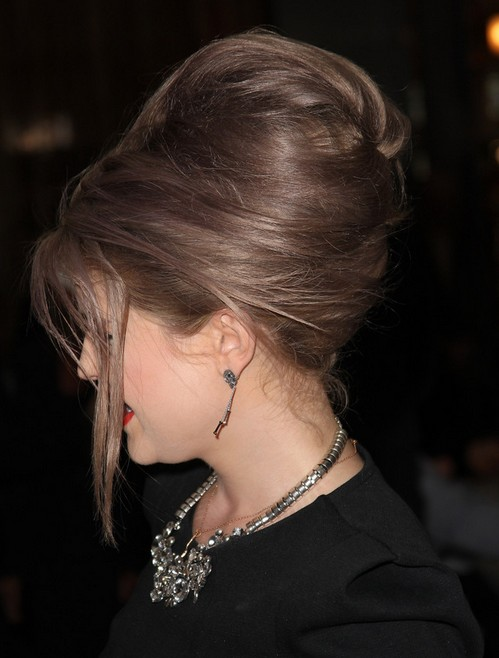 Kelly Osbourne Hairstyles Bouffant Bun Updos Popular Haircuts