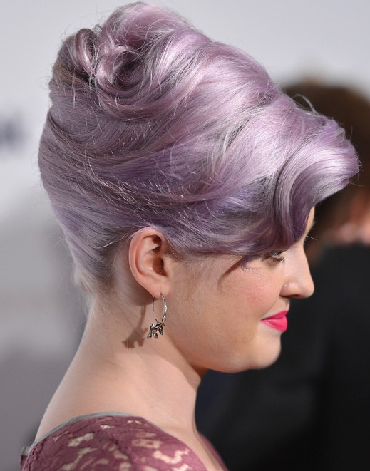 Kelly Osbourne Hairstyles: Elegant High Updos