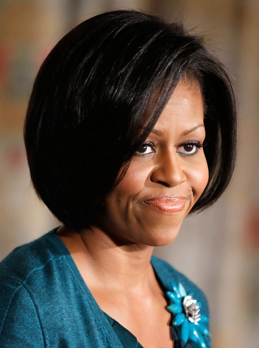 5 Michelle Obama Hairstyles: Classic Haircut - PoPular
