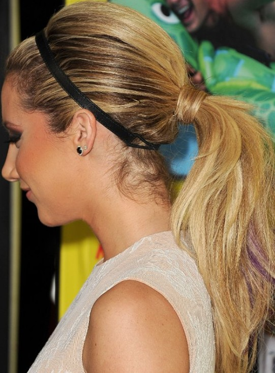 Super Cute Ponytail Style