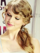 Taylor Swift Long Hairstyles: Side Ponytail Hairstyle