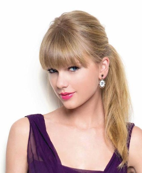 Taylor Swift's Straight Hairstyle with Blunt Bangs