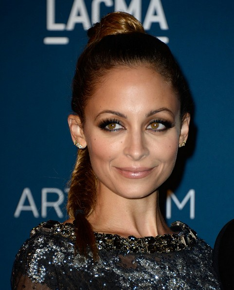 2014 Nicole Richie Hairstyles: High Fish Ponytail