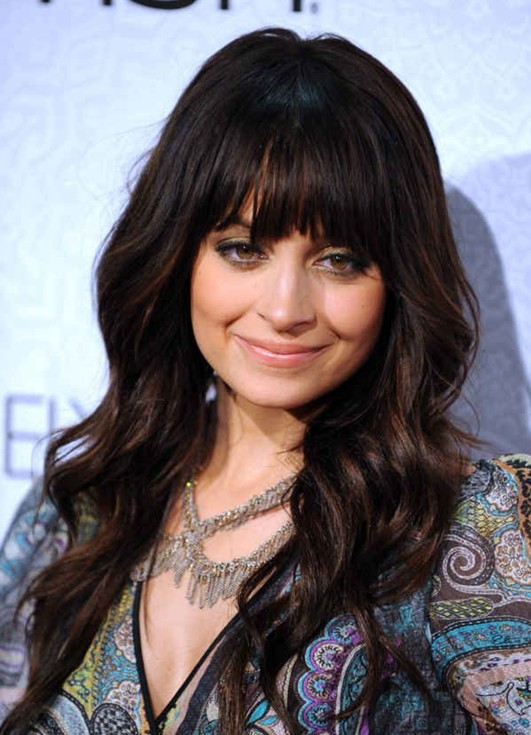Nicole Richie Hairstyles: Loose Long Wavy Hairstyle with Blunt Bangs