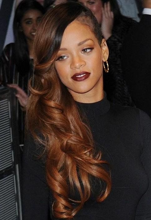 Rihanna Hairstyles: Side Swept Long Hairstyle