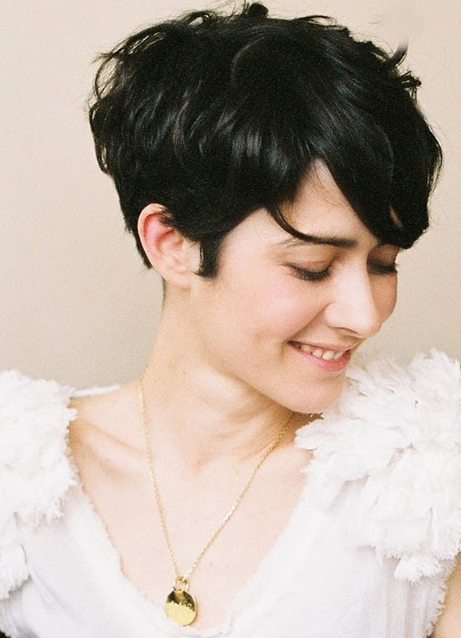 Trendy Short Hairstyles: Cute Haircuts for Women