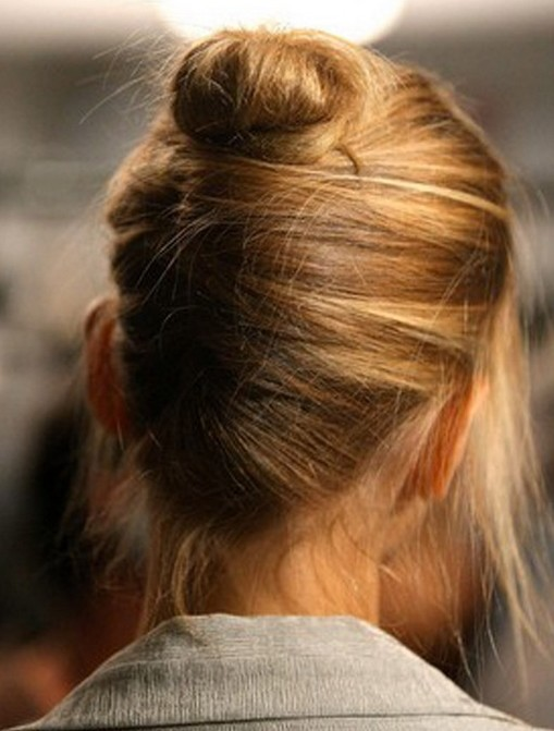 Updo Hairstyles for Short Hair: Chic Updos