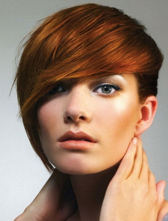 15 Chic Short Haircuts: Hairstyle with Long Bangs
