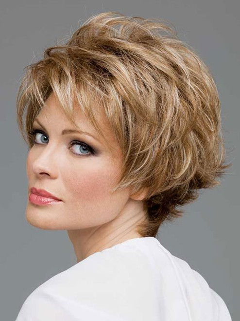 20 Short Hair for Older Ladies : Straight Layered Hairstyles