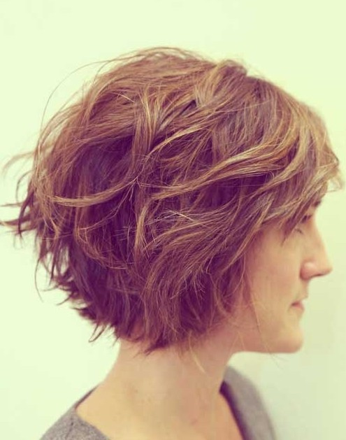 30 Short Hairstyles for Winter: Awesome Messy Bob