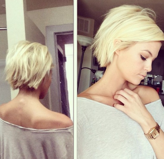30 Short Hairstyles for Winter: Blunt Haircut for Blonde Hair