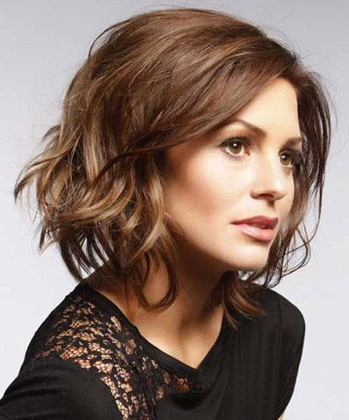 Short Wavy Haircuts for Women: Brown Hair