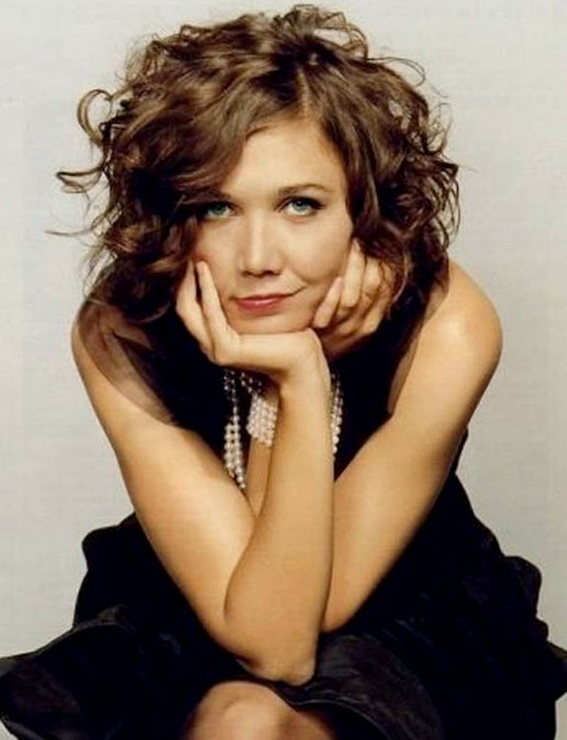 Short Wavy Haircuts for Women: Maggie Gyllenhaal Hairstyle